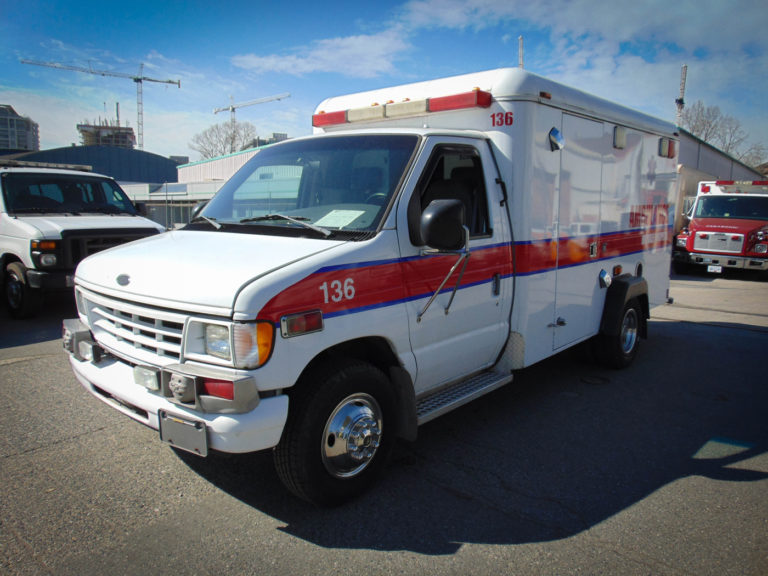 2001 Ford Ambulance For Rental