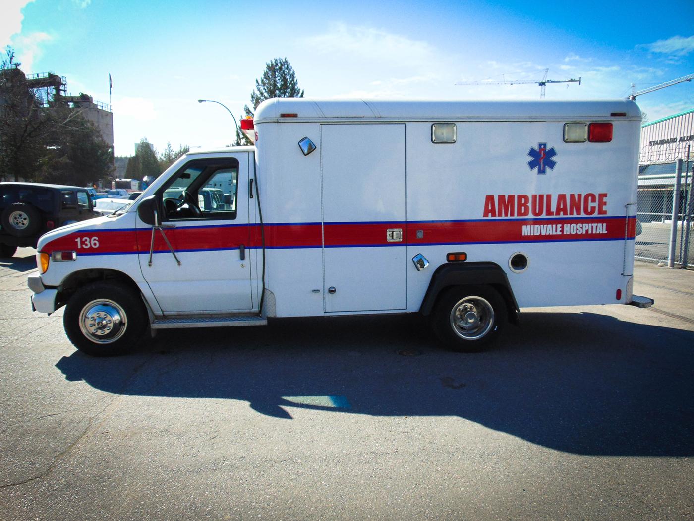 Rent 2001 Ford Ambulance